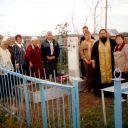 2006г. о. Валерий с уральскими Чеваниными на могиле Моего деда Чеванина Григория Ивановича.